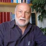 O sociólogo italiano Domenico Di Masi enfatiza que uma escola feliz  deve preparar os jovens também para o tempo livre